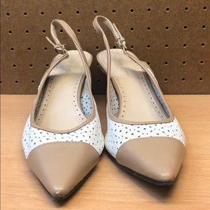 8eea0dec32c2 Adrienne Vittadini Shoes - Adrienne Vittadini Women s Leather Heels sz 9.5